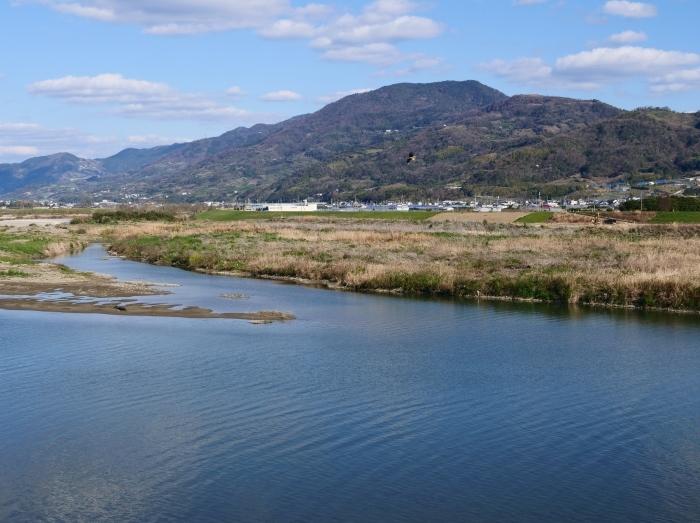 龍門山と紀の川  2019-04-29 00:00   _b0093754_23020102.jpg