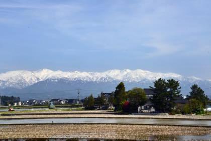 広〜い富山平野からはこんな風景が長く続きます......_b0194185_21333928.jpg