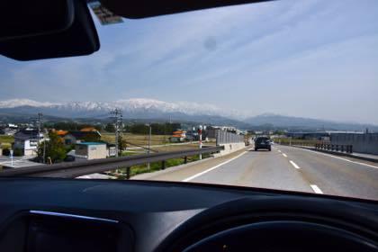 広〜い富山平野からはこんな風景が長く続きます......_b0194185_21335210.jpg