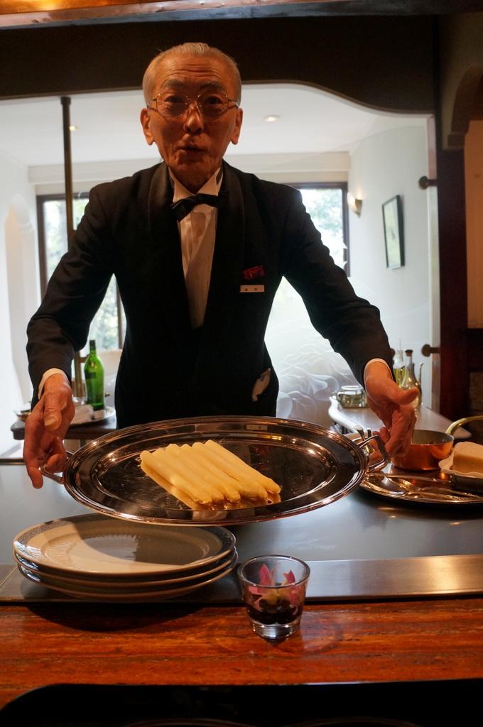 日本で最高の一つに間違いない、八王子うかい亭 4/12_c0180686_11080427.jpg