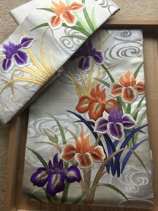 菖蒲の日本刺繍帯(^^)_e0385587_16261199.jpeg