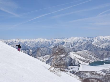 2019年4月6日三俣の定宿「弥八」に泊まり、神楽スキー場で滑る_c0242406_15041204.jpg