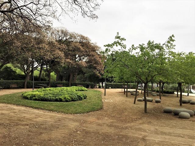 セルバンテス公園から続く遊歩道_b0064411_01250335.jpg