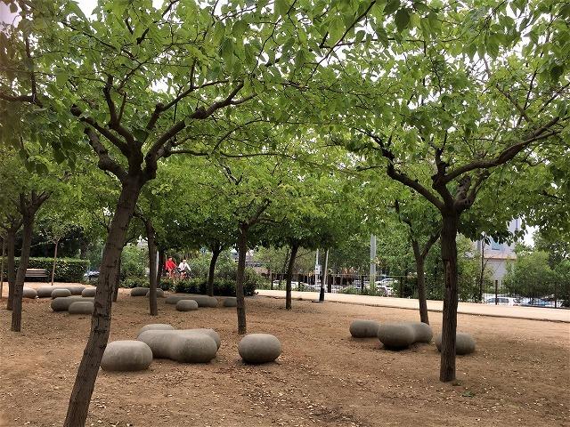 セルバンテス公園から続く遊歩道_b0064411_01271840.jpg