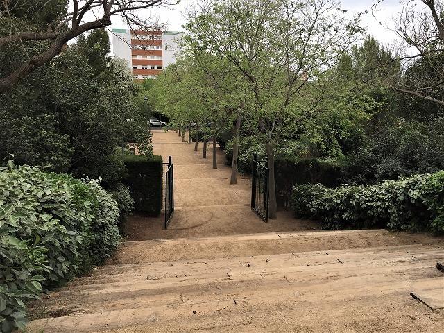 セルバンテス公園から続く遊歩道_b0064411_01340422.jpg