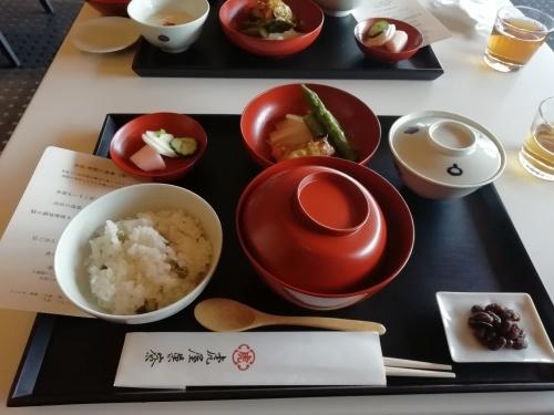 赤坂「とらや」ランチ_e0116211_17152214.jpg