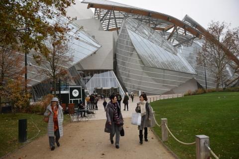 <パリ探訪> フランク・ゲーリー「ルイ・ヴィトン美術館」(1) Paris, Frank Gehry, Fondation Louis Vuitton_a0147436_15553985.jpg
