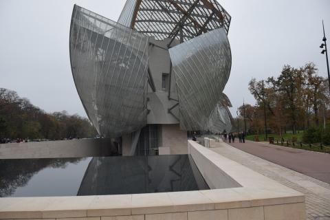 <パリ探訪> フランク・ゲーリー「ルイ・ヴィトン美術館」(1) Paris, Frank Gehry, Fondation Louis Vuitton_a0147436_17072436.jpg