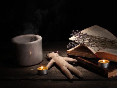 呪いびとの時間/モローボッツァ・デ・ジーロから伝授された呪詛の儀式に必要なもの_c0109850_04574876.jpg