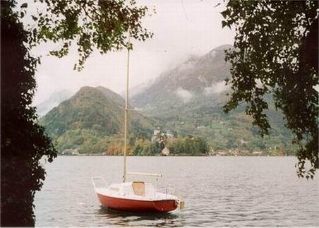 セザンヌを訪ねて 8  番外編 「アヌシー湖」 (ドイツ・ニュース・ダイジェスト 4月のコラムから)_a0280569_0285282.jpg