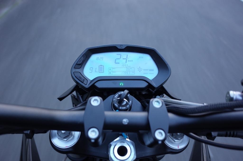 電動バイクに乗ってきた_d0389370_01031611.jpg