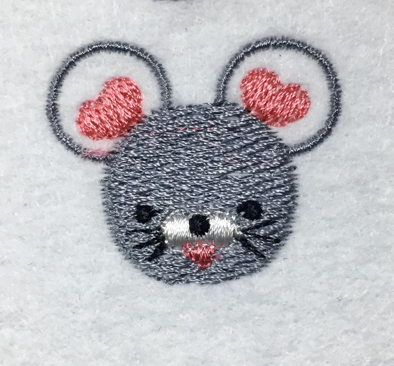 ネズミの刺繍(^^)_e0385587_21521327.jpeg