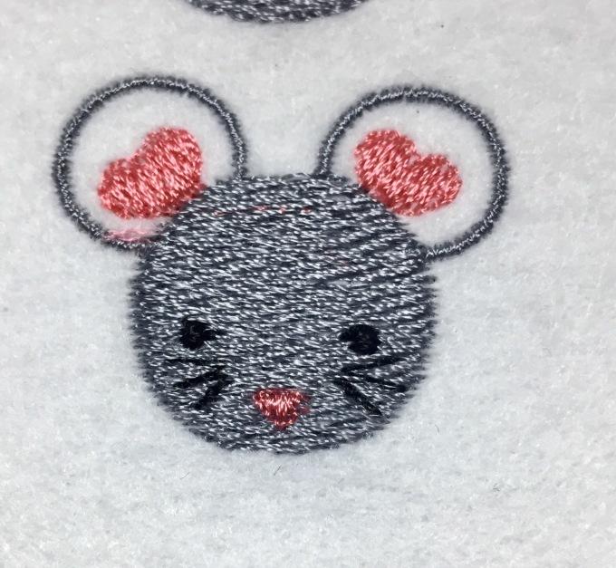 ネズミの刺繍(^^)_e0385587_21533242.jpeg