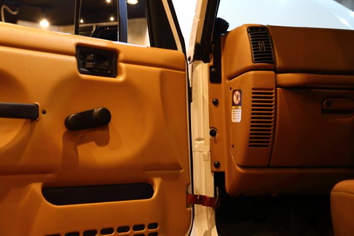 ご納車のブラックTJ 作業進行中_f0105425_18521951.jpg