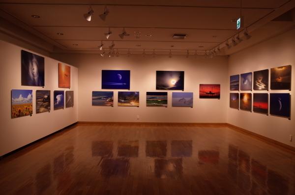 東川町文化ギャラリーで開催中の写真展 ルーク・オザワ写真展_b0187229_21474666.jpg
