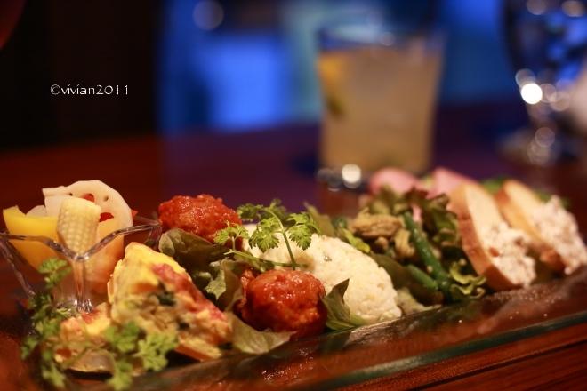 京都 DINING+CAFE&BAR 閏(うるう)~二条城の近くで夜ごはん~_e0227942_22252098.jpg