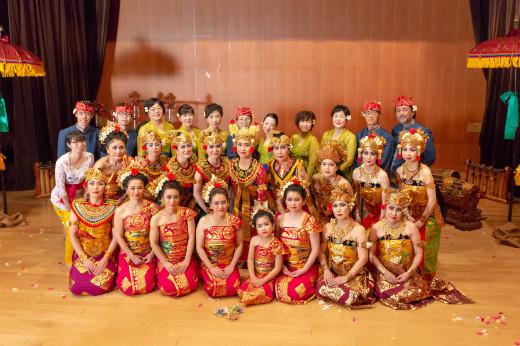バリ舞踊&ガムランの発表会をしました_e0017689_17130171.jpg