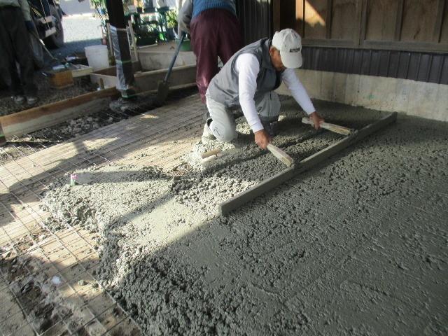 農家の納屋 屋根などの修繕工事 続き_f0105112_04035308.jpg