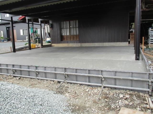 農家の納屋 屋根などの修繕工事 続き_f0105112_04083823.jpg
