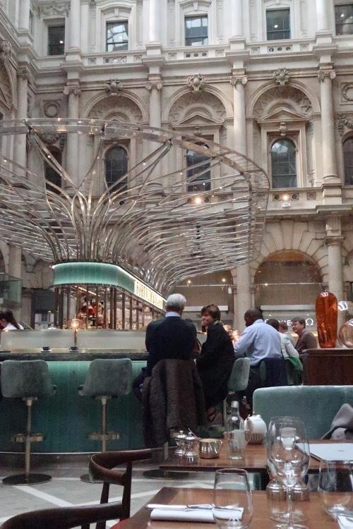 ロンドン王立取引所の今が素敵!_f0380234_02521066.jpg