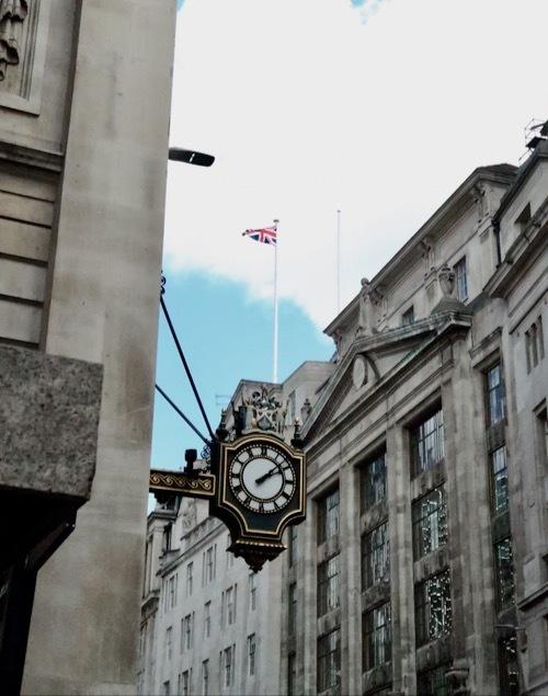 ロンドン王立取引所の今が素敵!_f0380234_03234544.jpg