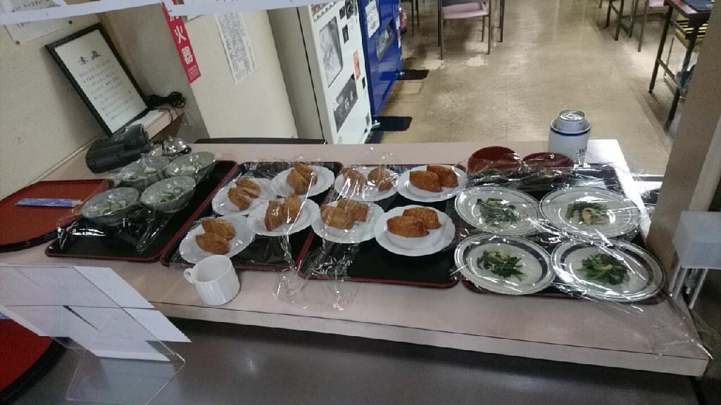 テーオー社員食堂の一品料理_b0106766_22163222.jpg