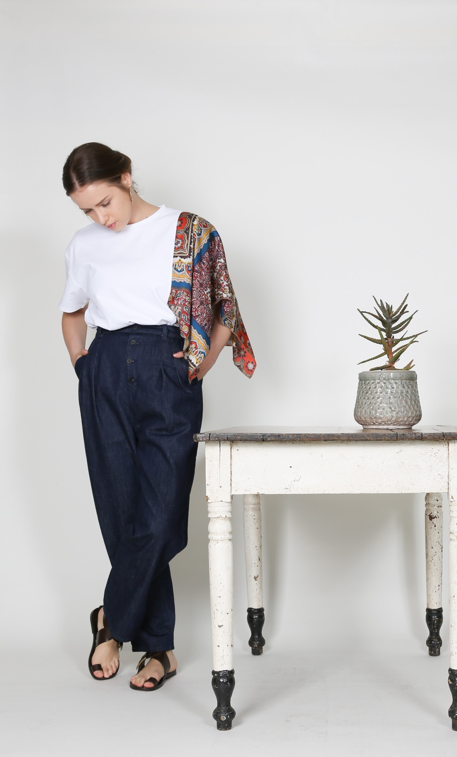 QUINOA BOUTIQUE◇Button tuck Denim Pants◇_e0269968_17550279.jpg