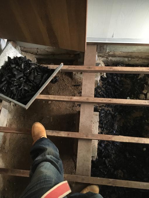 洗面所その7。床下です。_f0182246_17000447.jpg