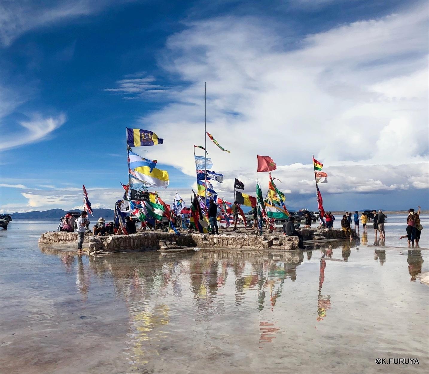 中南米の旅/29 ウユニ塩湖にある唯一のトイレ_a0092659_23562337.jpg