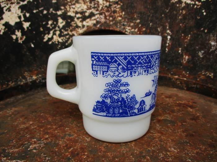 70\'s Fire King Blue Willow Mug_e0187362_15134136.jpg