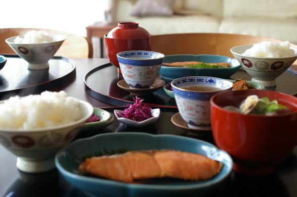 今日の朝食はあさりのお味噌汁_d0327373_11015157.jpg