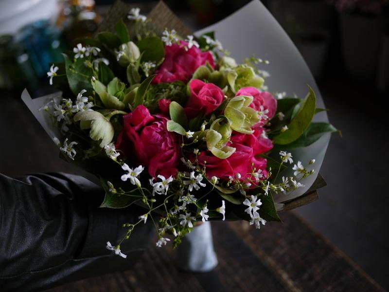 産休に入られる奥様へ花束。「シャクヤクを使って」。2019/04/26。_b0171193_19362889.jpg