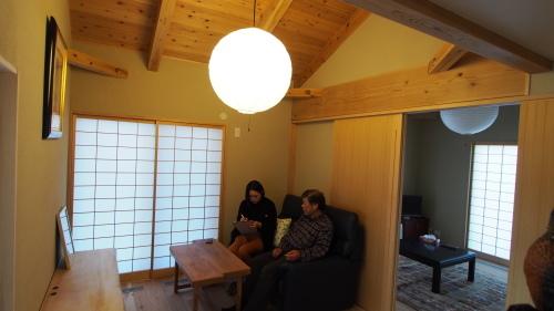 香川の家 春号 取材です。_e0064493_13445614.jpg