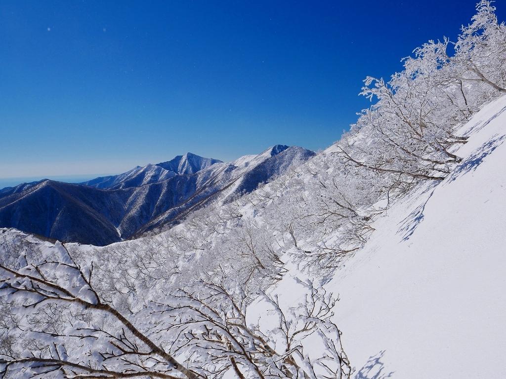 野塚岳とオムシャヌプリ、2019.4.28ー速報版ー_f0138096_21351094.jpg