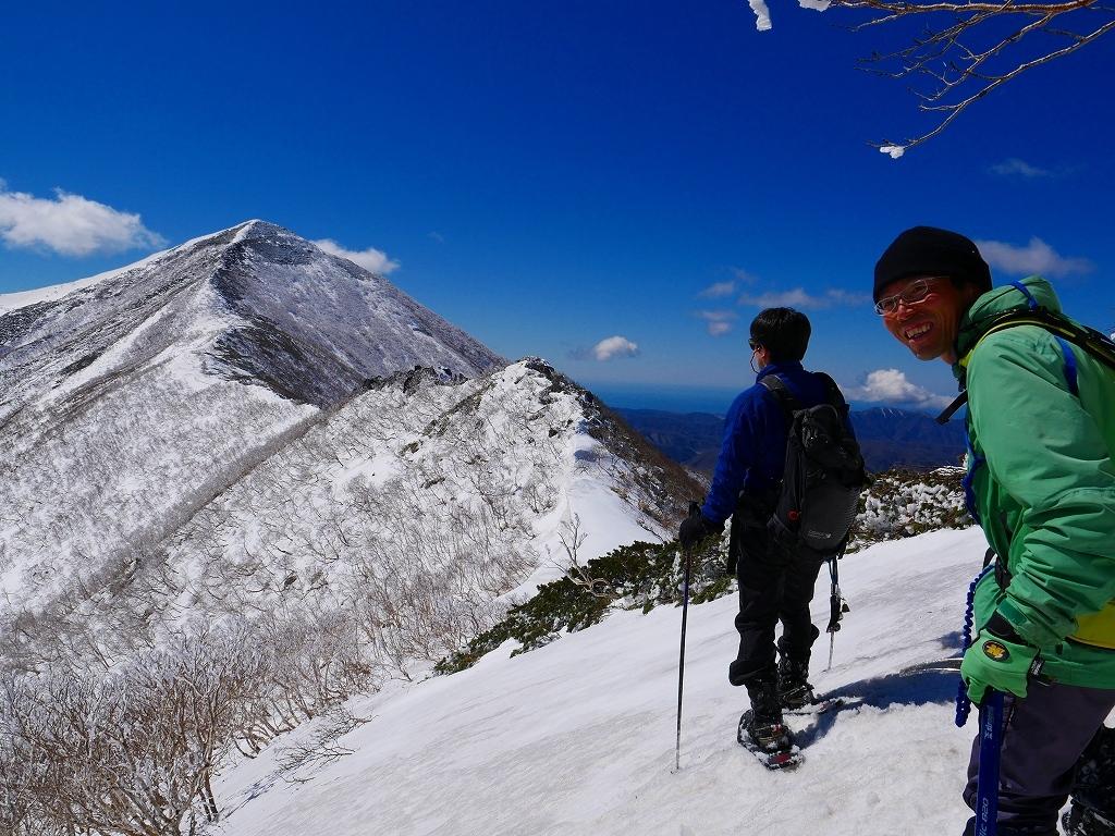 野塚岳とオムシャヌプリ、2019.4.28ー速報版ー_f0138096_21351196.jpg