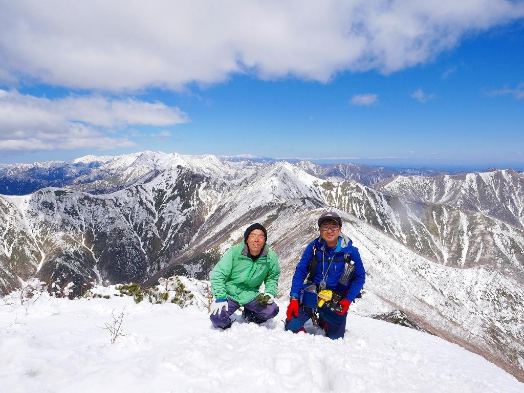 野塚岳とオムシャヌプリ、2019.4.28ー速報版ー_f0138096_21364080.jpg