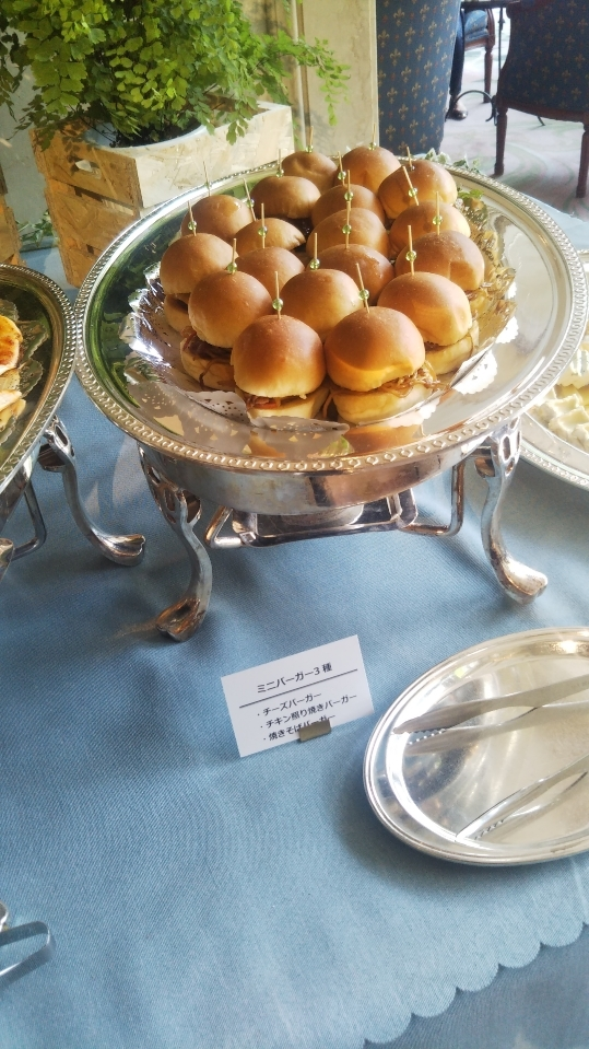 開業25周年記念&ゴールデンウイーク企画 スイーツビュッフェシリーズ 第1弾 Milk&Cheese リーガロイヤルホテル東京牧場OPEN!_f0076001_21391115.jpg