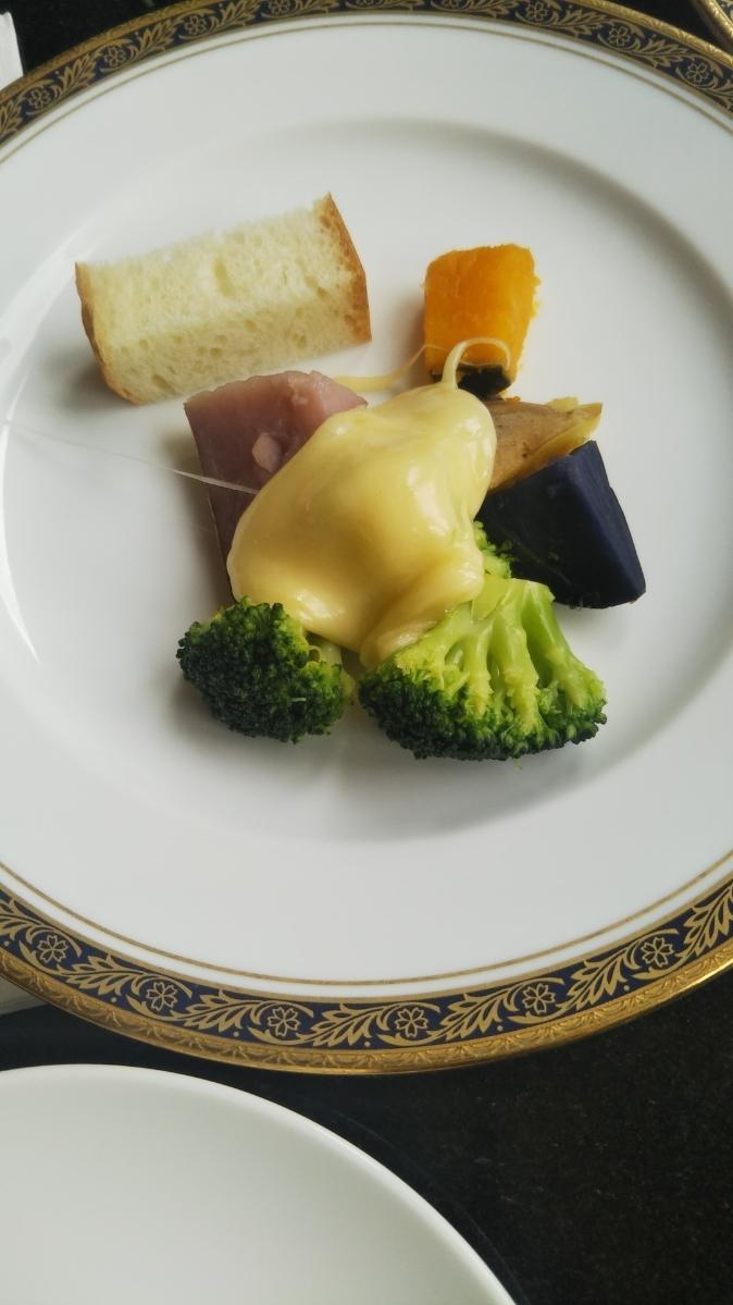 開業25周年記念&ゴールデンウイーク企画 スイーツビュッフェシリーズ 第1弾 Milk&Cheese リーガロイヤルホテル東京牧場OPEN!_f0076001_21442130.jpg
