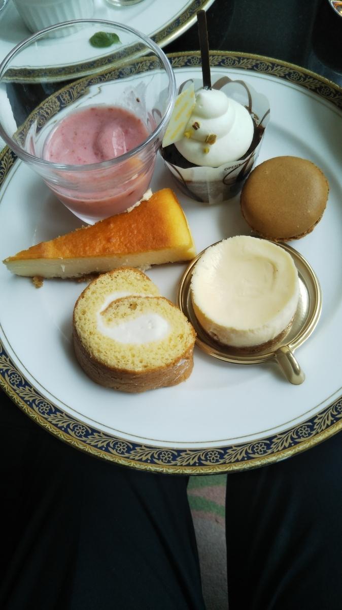 開業25周年記念&ゴールデンウイーク企画 スイーツビュッフェシリーズ 第1弾 Milk&Cheese リーガロイヤルホテル東京牧場OPEN!_f0076001_21461094.jpg