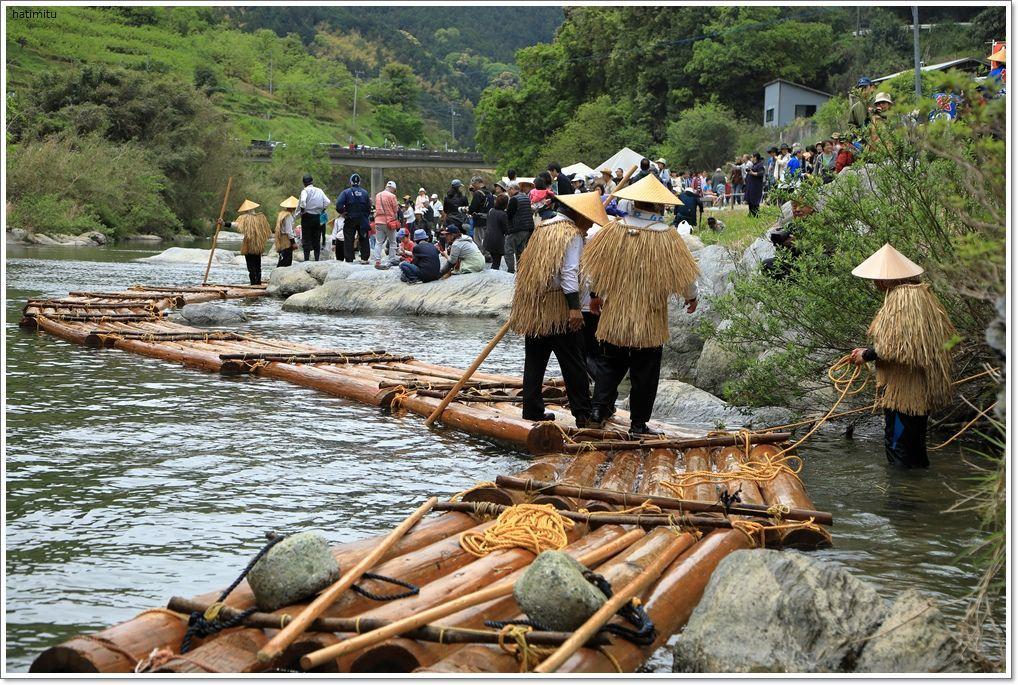 筏流しの無料体験_a0057905_16381343.jpg