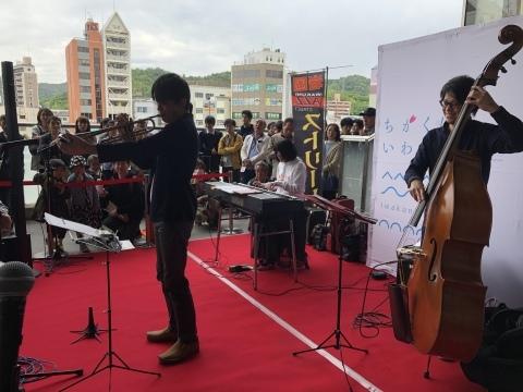 ジャズライブ カミン 広島 本日29日のライブ!_b0115606_04174214.jpeg
