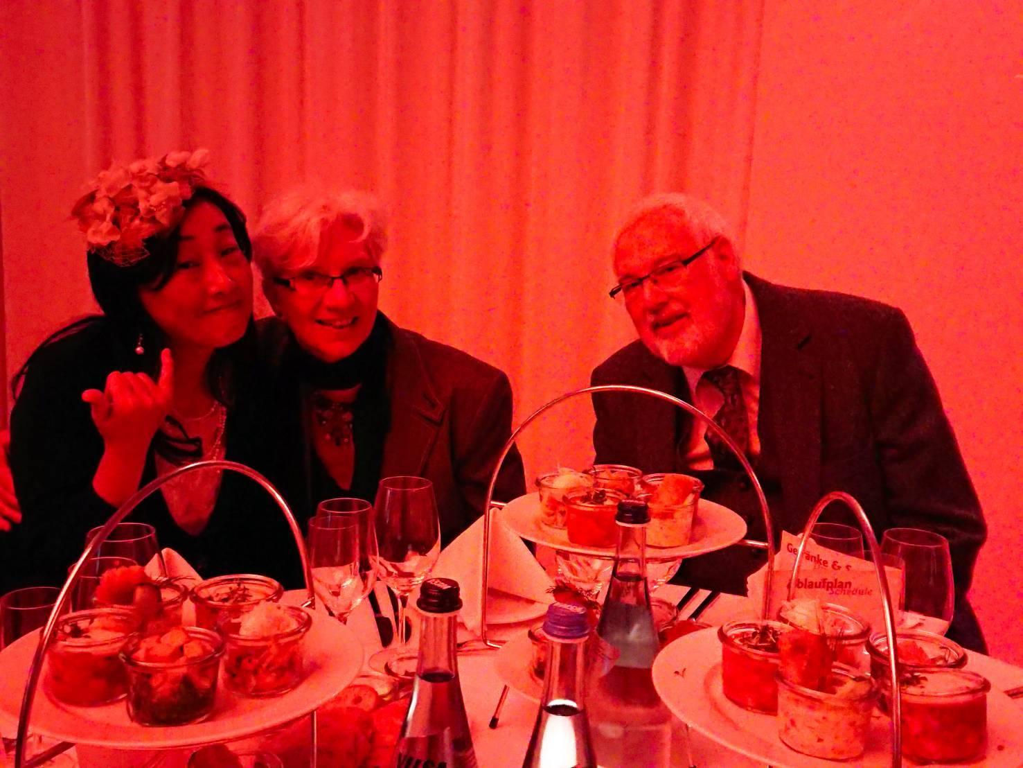 ドイツ、テディベアトータルの祝賀会にて。_c0173826_14542227.jpg