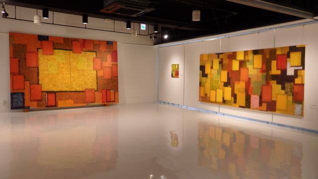 色彩と対位法 信田俊郎の新作展_e0138627_17214816.jpg