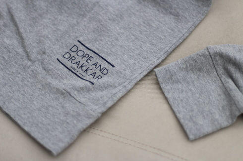 最近よく着てます。重ね着に便利なフード付きロングスリーブTシャツ♪_d0108933_16530906.jpg