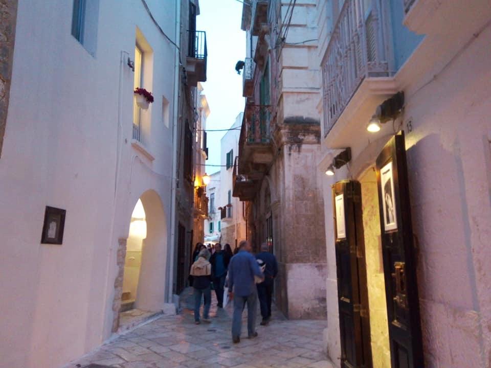 ポリニャーノで夕方の散歩_b0305039_18173011.jpg