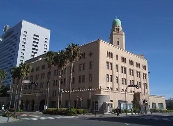 庁舎の窓 横浜(神奈川)_e0098739_09303242.jpg