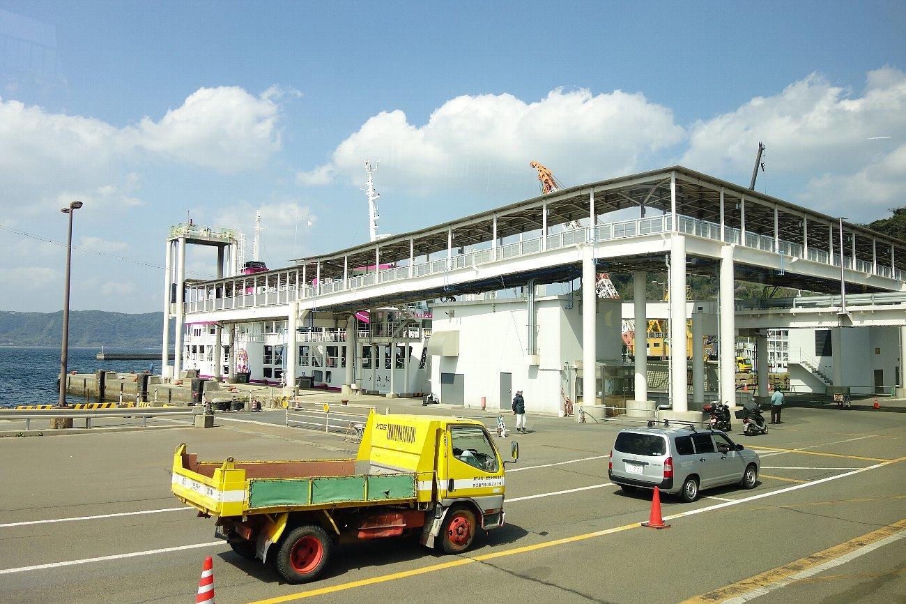 桜島にバスで上陸_c0112559_08270397.jpg