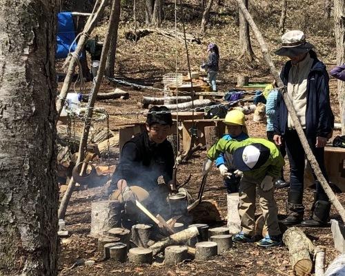 森で遊ぶ子どもの姿から見えたこと_b0068572_07103646.jpg