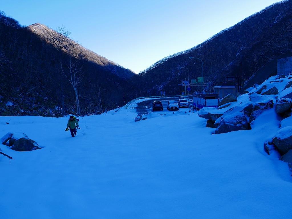 野塚岳とオムシャヌプリ、2019.4.28ーその1ー_f0138096_13451305.jpg