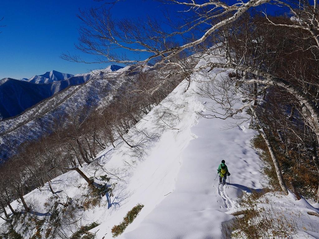 野塚岳とオムシャヌプリ、2019.4.28ーその1ー_f0138096_13452618.jpg